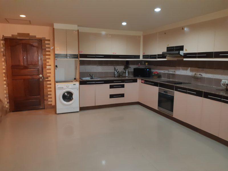 Продажа двухкомнатной квартиры в Palm Breeze