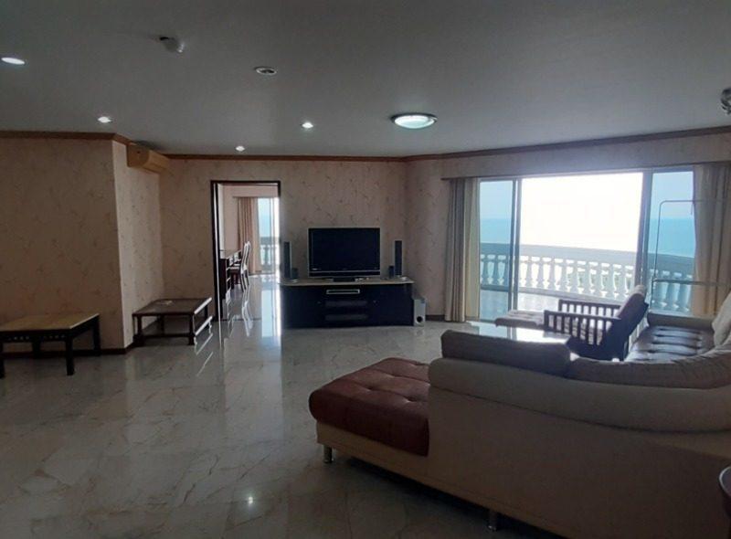 Квартира в Park Beach Condominium