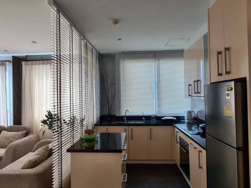 Большая квартира с 1 спальней в Diamond Suites