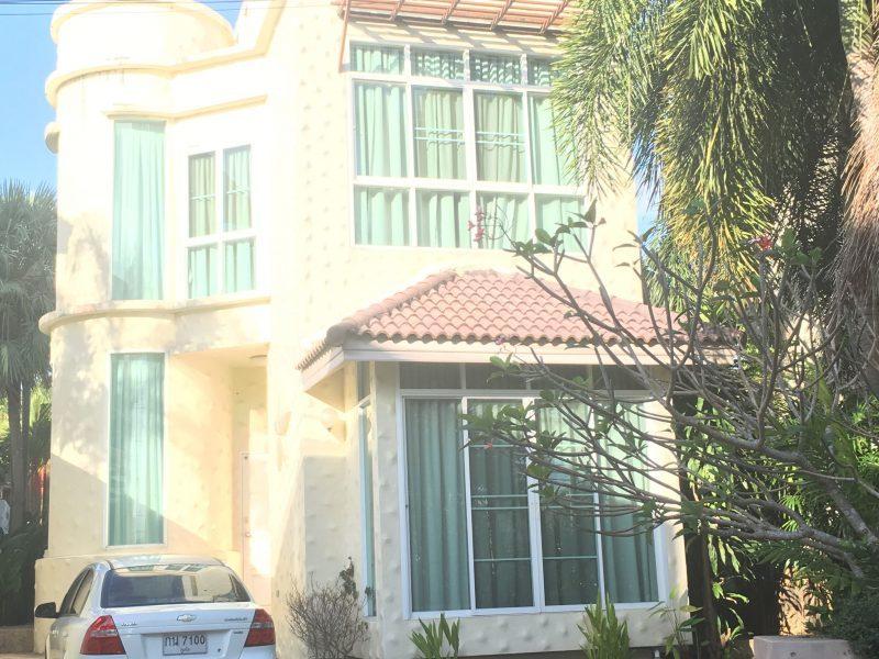 Вилла расположена по адресу Soi Saiyuan, Wiset Road, Mueang, Phuket