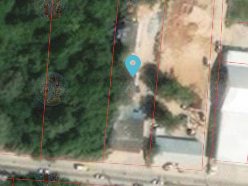Земля недалеко от главной улицы Сукхумвит.